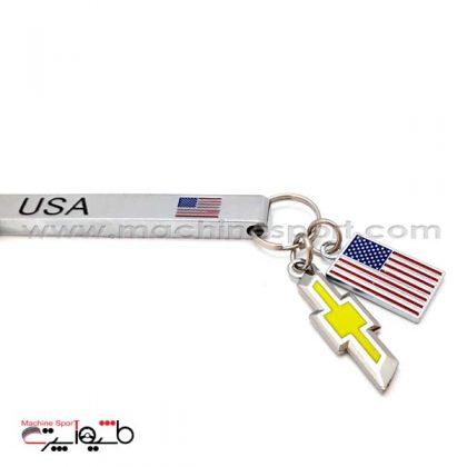 جاسوئیچی شورولت آویز دار با پرچم آمریکا