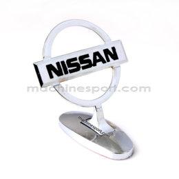 آرم ایستاده روی کاپوت نیسان Nissan